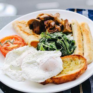 ¿Desayunar es realmente importante?