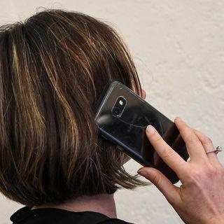 Corte d'Appello Torino, uso cellulare può causare tumore