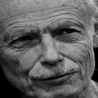 Impegno nel sociale, letteratura e poesia: l'anima vibrante di Erri De Luca