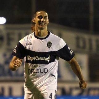 Gol de Gimnasia: Leonardo Moyano 1-1