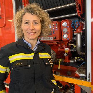 Francesca Monti – pompiera, mamma e giocoliera (di Stefan Wallisch)