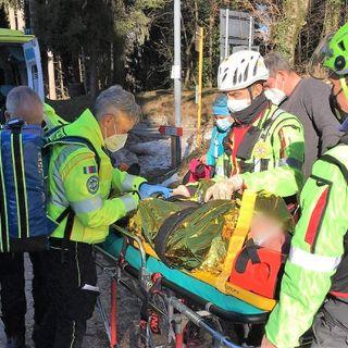Scivola sul ghiaccio in zona Passo Zovo e si frattura un arto. Soccorso un cinquantenne