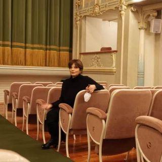 Laura Morante mostra l'anima del Teatro Comunale, in attesa della riapertura