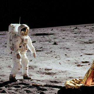 The Moon Landing 003 - Chicken stew in space