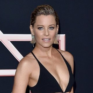 Elizabeth Banks Blames men For Charlies Angels Flop