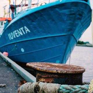 Iuventa: lo sguardo di chi sta a bordo - Tomoko Mottola
