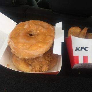 Episode 19: Take This Show On The Road! KFC Donut Sandwich!