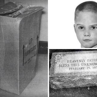 Programa 2: ¿Quién es El Niño Desconocido Norteamericano? (Boy in the Box)
