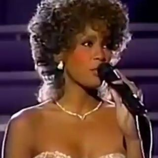 Whitney Houston GREATEST LOVE OF ALL - LIVE -