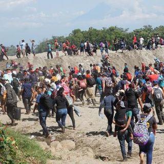 GN frena con gas lacrimógeno entrada de migrantes
