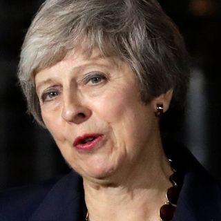 Brexit, May rinvia il voto in Parlamento.