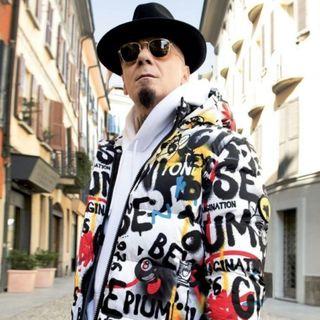 """J-Ax in arrivo la canzone sul Covid """"Voglio la mamma"""" seguita dal brano """"più zarro"""" di sempre"""