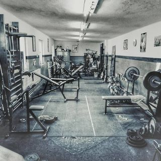 Bring back old school gyms