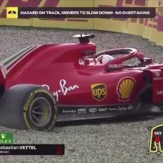 Sebastian Vettel Bariyerlerde