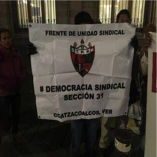 Indígenas y petroleros protestan en Palacio Nacional