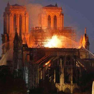 Notre Dame: el símbolo que al arder hizo que el mundo se abrazara