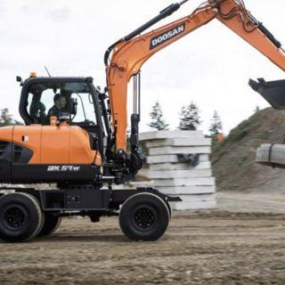 Ascolta la news: Nuovo escavatore gommato Doosan Stage V DX57W-7