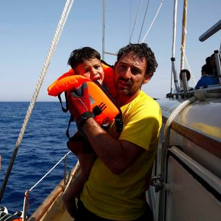 #LaCafeteraSOSmediterraneo  . Europa mira a otro lado mientras dejamos morir a cientos de personas en el mediterráneo