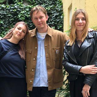 """Sonos x 'Sunday Service': Mads Axelsen undersøger """"den gode lyd"""" med Annika Jonsson og Karolina Hansen."""