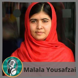 Verónica Lucía Gaudio y alumnado con Malala Yousafzai