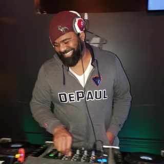 Craig Elliott presents...Enjoy a Funky DJ Kwest_On Mix 6/3/2020
