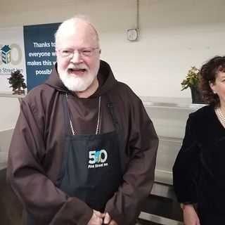 Cardinal O'Malley, 150 Volunteers Serve Christmas Meals At Pine Street Inn