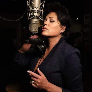 Kelly Lang - Singer / Songwriter
