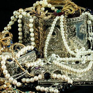 Perlas y otras piedras preciosas