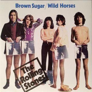 """ROLLING STONES: la canzone """"Brown Sugar"""" compie 50 anni. Nel 1971, infatti, fu inserita nell'album """"Sticky Fingers""""."""