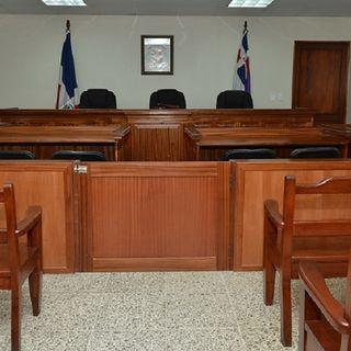 Los tribunales se preparan para las audiencias presenciales. Conversamos con Claudio Aníbal Medrano (3/3)