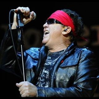 "INTERVIEW WITH MIKE RENO OF ""LOVERBOY"" ON DECADES WITH JOE E KRAMER"