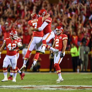 Football 2 the MAX:  Kansas City Chiefs Stay Undefeated, Mitchell Trubisky Starting