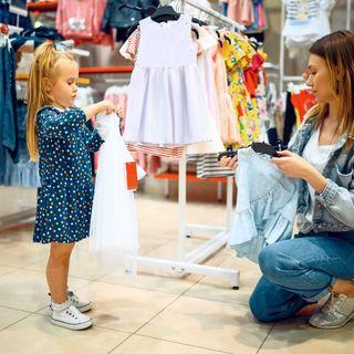 Black Friday: É possível evitar que a cultura do consumismo influencie crianças e jovens?