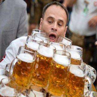 Qué Bonito: Rompe récord mundial de repartir cerveza