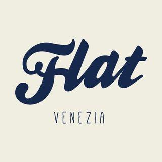 Flat, il salottino degli artisti.