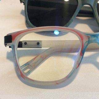 ¿Cómo en Nuquí hacen gafas con plástico reciclado del océano?