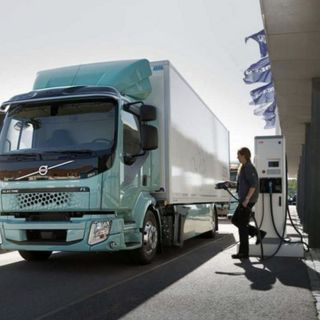 Ascolta la news: H2Accelerate, le case costruttrici collaborano per introdurre truck a idrogeno VEICOLI COMMERCIALI NEWS