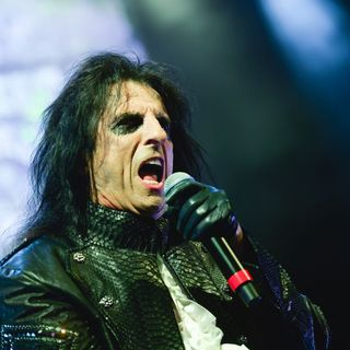 **Pandemic Podcast IX** Alice Cooper on Golf and His Soviet Spy Car