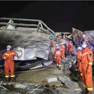 Mueren cuatro personas tras colapso de hotel en China