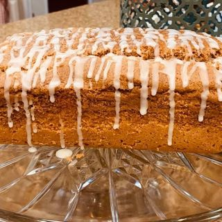 Corona Cooking 1: Laura Mixon and her gluten free cinnamon pound cake.