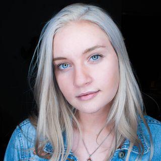 Aubrey Violeta