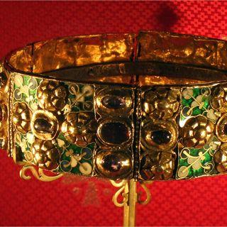 129 - La corona Ferrea: regalità della Croce