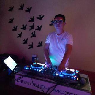 BAILABLE DJ MIXER SESSION  ONLIVE 2020 joven (seratodjpro-denonmc7000)