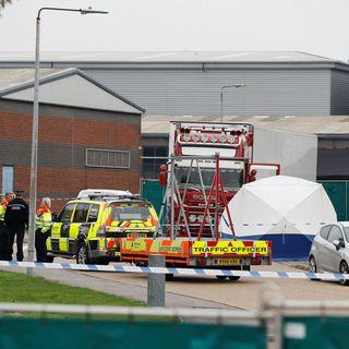 Encuentran 39 cadáveres dentro de camión en Londres