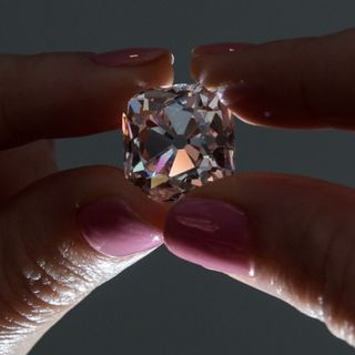 Diamante rosa de 19 quilates que perteneció a Napoleón sale a subasta