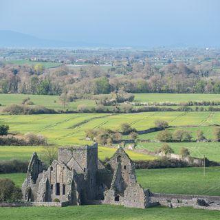 Viajes a la Historia: Rock of Cashel