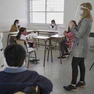 Escuelas y secundarias podrán reabrir el lunes en Nuevo León