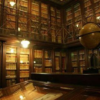 Episodio 5 - Introducción al Derecho Cultural por Enrique Celis