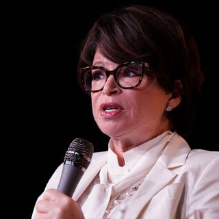 How Valerie Jarrett Overcame Race, Gender Barriers on Her Way to the West Wing