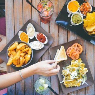 Food economy: consigli per ristoratori | Lavoro: ripartire in cucina | L'archeologia nei piatti